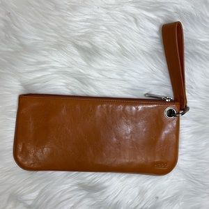 HOBO | Brown Leather Wristlet Clutch |